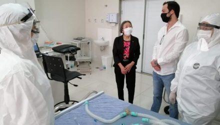 Prefeita Tamiko visita o Centro de Atendimento Covid-19 que começou a atender na última segunda-feira, 11. Foto: Secom/Prefeitura