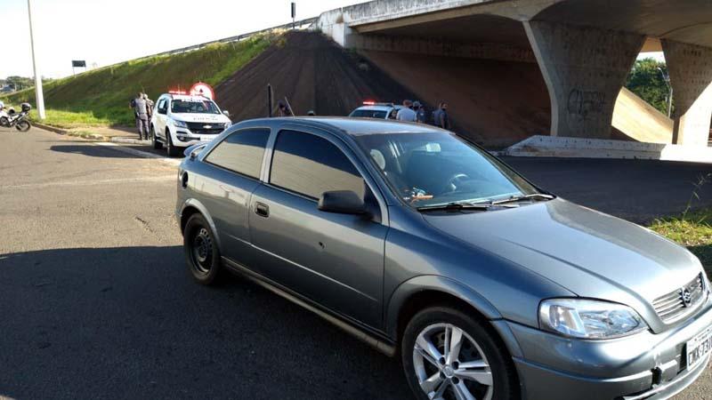 Carro usado pelos ladrões na fuga do assalto a lotérica — Foto: Arquivo Pessoal
