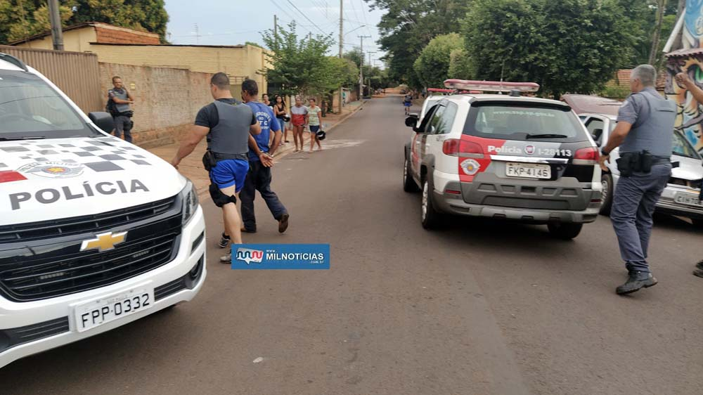 """""""Gueizu"""" foi detido acusado de dirigir o Gol para dar fuga aos dois adolescentes infratores. Foto: MANOEL MESSIAS/Agência"""