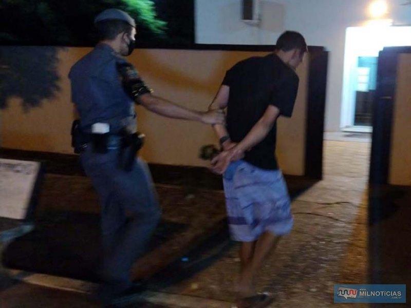 Marcelo Silva (38), recém saído do sistema prisional, com situação criminal por dois tráficos (artigo 33) e um roubo tentado (artigo 157). Foto: MANOEL MESSIAS/Agência