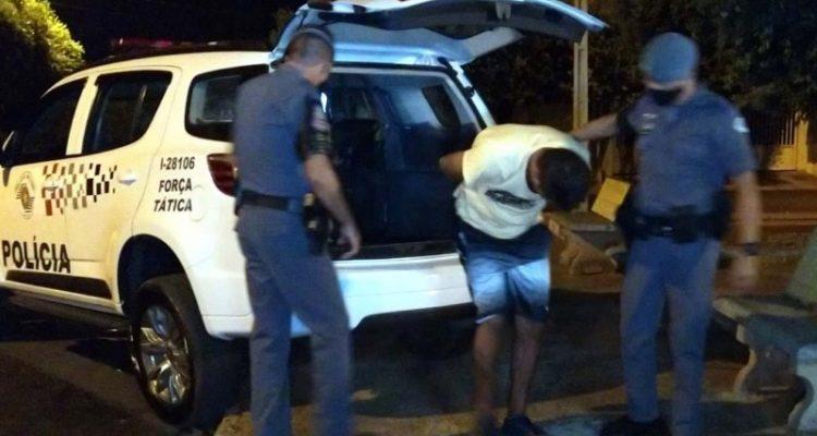 Luiz Fernando de Santana (40), situação criminal por dois 157 (roubo), quatro portes de armas (artigo 14), um 180 (receptação), entre outros. Foto: MANOEL MESSIAS/Agência