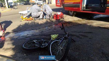 Bicicleta ficou com a roda dianteira completamente entortada depois do acidente. Foto: MANOEL MESSIAS/Agência