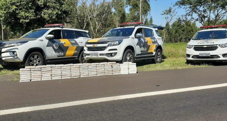 Tabletes somaram 108 quilos de droga na apreensão em Guarantã — Foto: Polícia Rodoviária / Divulgação