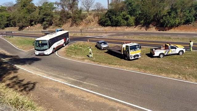 Acidente aconteceu no trevo de acesso à indústria Citroplast, localizada na rodovia Integração. Foto: MANOEL MESSIAS/Agência