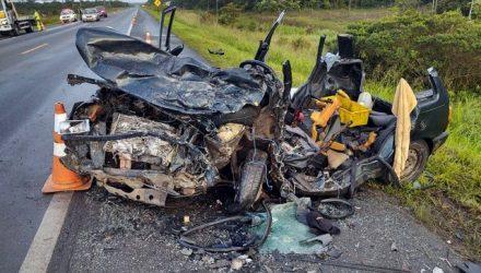 - Cinco pessoas que estavam no carro morreram após acidente na rodovia Padre Manoel da Nóbrega, SP — Foto: Divulgação/Polícia Rodoviária