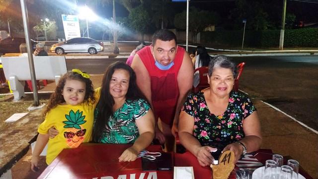 Fabrício Gasparelli esteve presente com a família