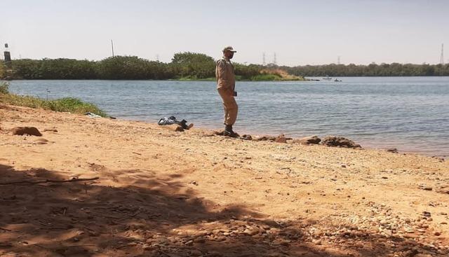 O corpo da vítima de afogamento, foi resgatado de dentro do rio Paraná na manhã de sábado (05). Foto: Corpo de Bombeiros