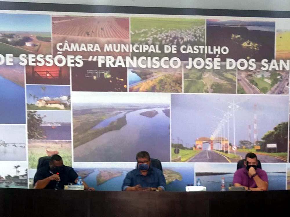 Alguns membros da Mesa Diretora da Câmara aproveitaram o tempo livre para fazer uso da palavra. Foto: MANOEL MESSIAS/Agência