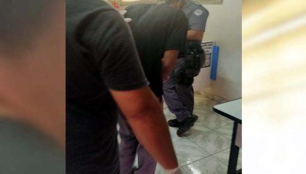 """J. B. S. F., o """"Joãozinho"""", de 29 anos, foi preso pelo crime de furto qualificado. Foto: MANOEL MESSIAS/Agência"""