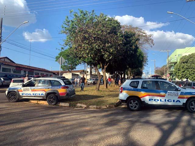 Velório de Cássio Remis ocorre na Câmara Municipal de Patrocínio — Foto: Paulo Barbosa/G1