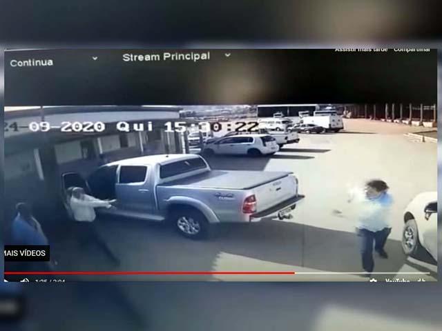Câmaras de segurança flagram momento em que secretário de obras comete o homicídio. Foto: Reprodução