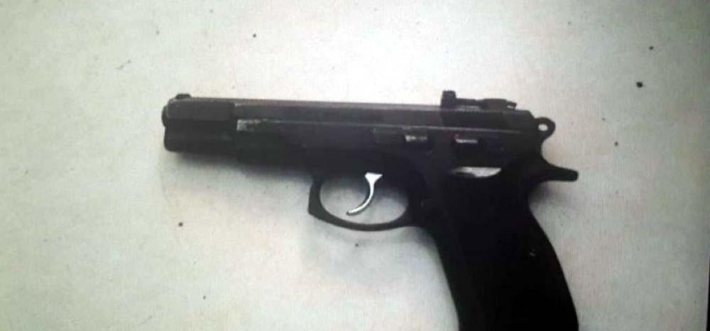 Arma apreendida em operação contra o PCC — Foto: Divulgação/MP-SP