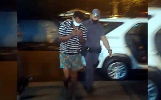 M. F. R., de 30 anos, foi preso por força de mandado de prisão em seu desfavor por ter cometido crime durante o regime semiaberto. Foto: MANOEL MESSIAS/Agência