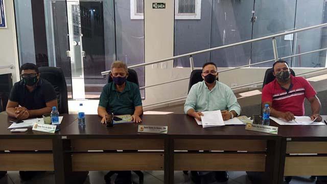 A partir da esq., vereadores Itamar, Daniel, Flávio e Odair. Foto: Manoel Messias/Agência
