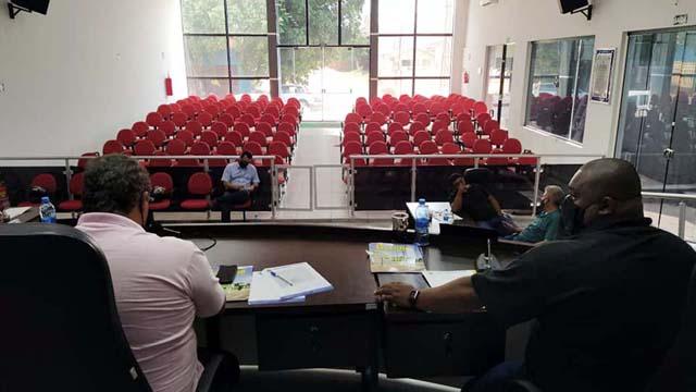 Devido a pandemia do coronavirus, o acesso ao público no plenário da Câmara de Vereadores continua restrito. Foto: MANOEL MESSIAS/Agência