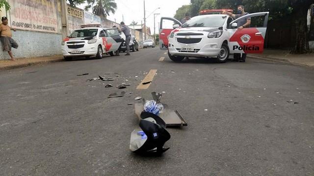 Acidente aconteceu no cruzamento das ruas Paraíba com Santos Dumont, ao lado do clube Cecam, no bairro Benfica. Foto: MANOEL MESSIAS/Agência