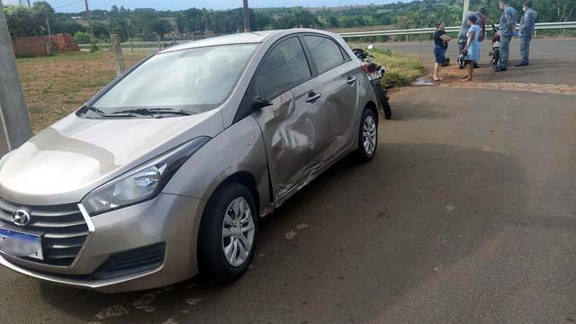 HB20 sofreu rasgo na porta e da caixa de ar, além de amassamento da porta do lado do motorista. Foto: MANOEL MESSIAS/Agência