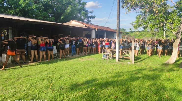 Polícia fecha festa rave com aglomeração de 600 pessoas em Cuiabá — Foto: Polícia Militar de Mato Grosso/Assessoria.