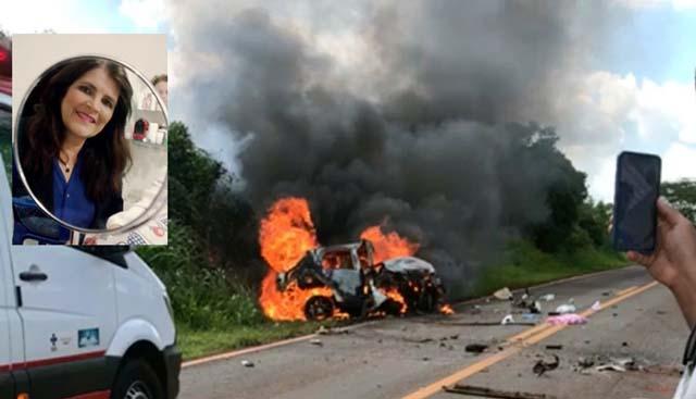 Carro de professora pegando fogo após batida em rodovia de Jales — Foto: Arquivo pessoal