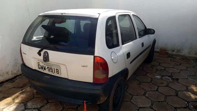 Veículo GM Corsa dirigido por J. S. S., de 32 anos, da rua São José, no Jardim Brasil para ir buscar a droga foi apreendido pela Polícia civil. Foto: DIVULGAÇÃO