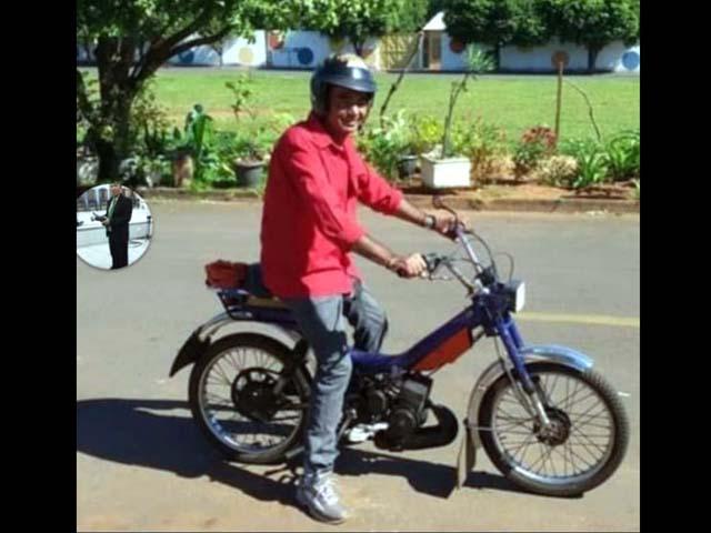 Desempregado pilotava um ciclomotor 50cc, na cor preto, quando foi literalmente atropelado e sofreu os graves ferimentos na cabeça. Foto: DIVULGAÇÃO