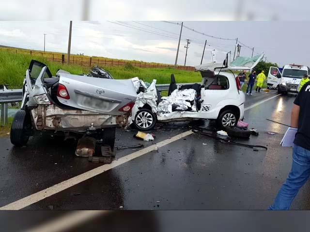 Mulheres morreram após batida frontal em rodovia de Marília — Foto: Alcyr Netto/TV TEM