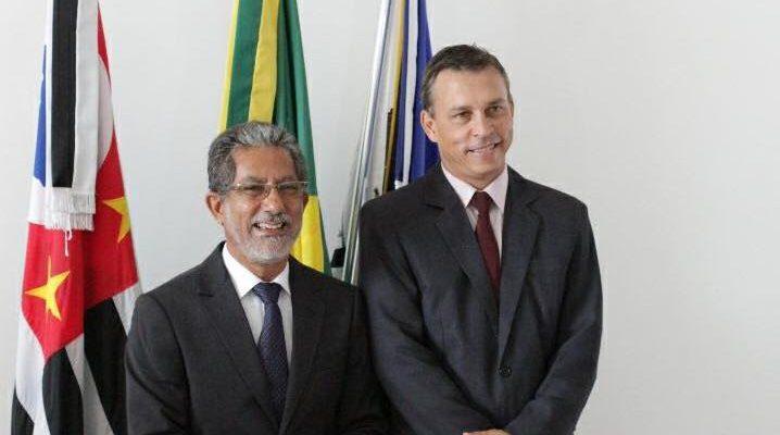 Prefeito Paulo Boaventura (esq.), e seu vice Marcos Visual. Foto: Assessoria de Comunicação