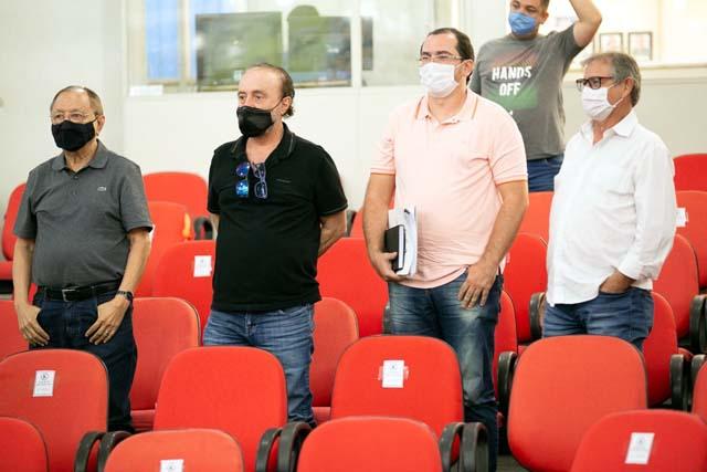 A partir da esq., Norival Nunes, prefeito Mario Celso, Ernesto Junior e Edgar Dourado. Foto: Secom/Prefeitura