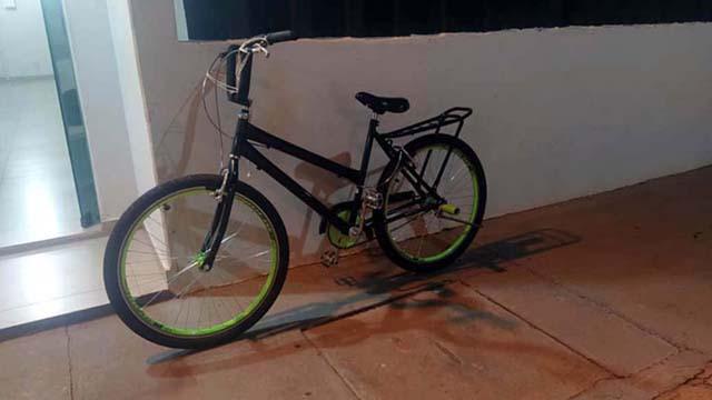 Bicicleta de um dos menores utilizada no dia do crime foi apreendida pela Polícia Civil. Foto: MANOEL MESSIAS/Agência