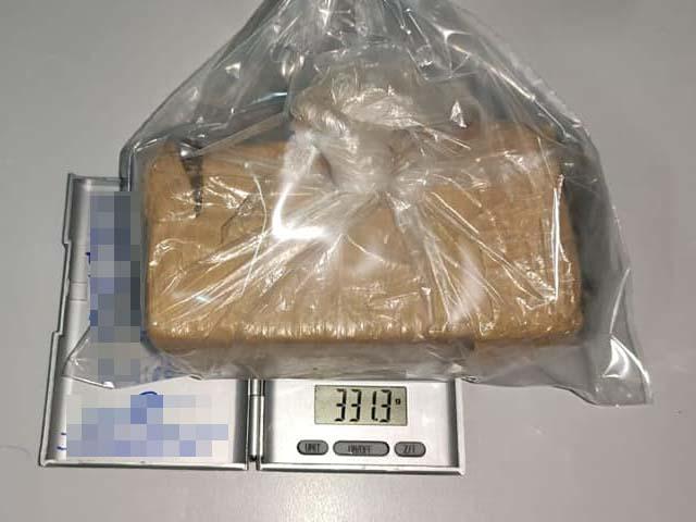 Droga localizada em veículo totalizou 331 gramas e foi apreendida pela Polícia Civil. Foto: DIVULGAÇÃO