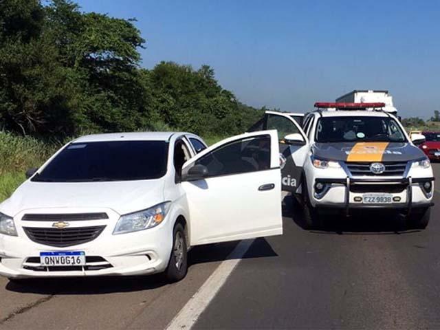 Quadrilha foi abordada e presa na Castello Branco a bordo de um GM Onix. Foto: Divulgação