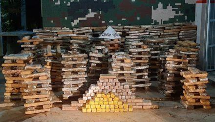 Material recolhido pelos policiais militares em sítio abandonado — Foto: Divulgação/Polícia Militar