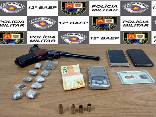 Arma de origem alemã usada na Segunda Guerra Mundial foi apreendida pela polícia em Araçatuba (SP) — Foto: Polícia Militar/Divulgação