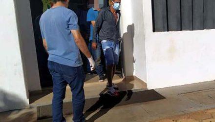 Manoel Messias dos Santos Júnior, de 46 anos, foi flagrado dentro da casa onde moto estava escondida. Foto: MANOEL MESSIAS/Agência