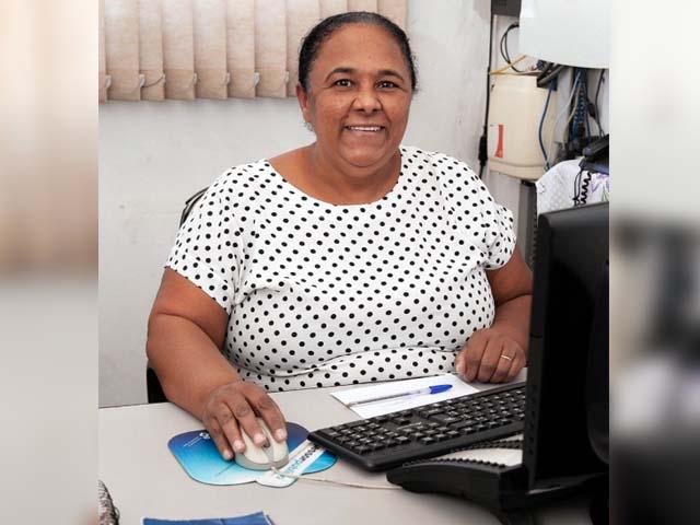 """Servidora pública Benedita dos Santos Límoli, a """"Ditinha"""",é a voz da Prefeitura. Foto: Secom/Prefeitura"""