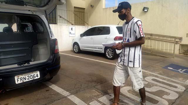 """O desocupado Leandro Rodrigues de Lima, o """"Nemer"""", de 37 anos. Foto: MANOEL MESSIAS/Agência"""