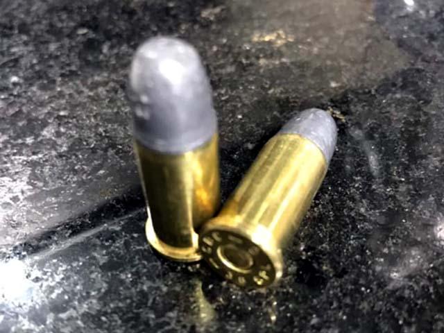 Foram localizadas ruas munições calibre .38mm dentro do veículo. Foto: PM/Divulgação