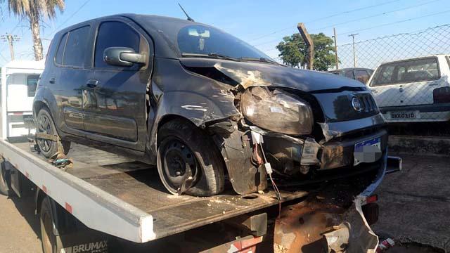 Veículo dirigido pelo empresário ficou com a frente destruída. Foto: MANOEL MESSIAS/Agência