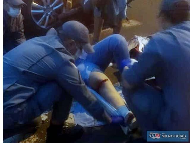 Vítima também sofreu um corte profundo na perna direita, altura do joelho. Foto: MANOEL MESSIAS/Agência