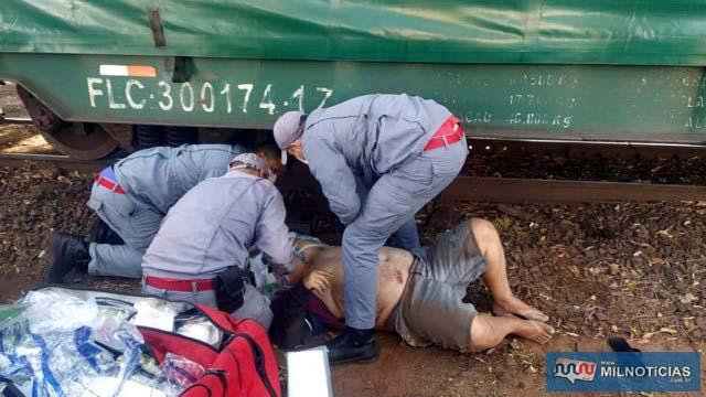Ex-comerciante foi jogado a vários metros de distância depois do choque do trem. Foto: MANOEL MESSIAS/Agência