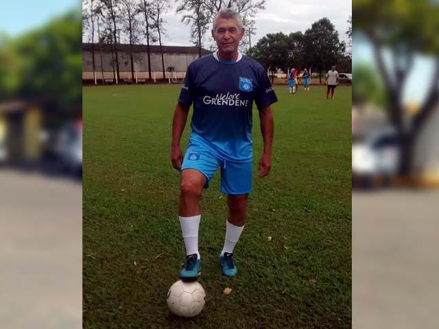 'Duda' jogou profissionalmente por Andradina e depois de aposentado era figura constante em amistosos de futebol nos finais de semana. Foto: Arquivo pessoal