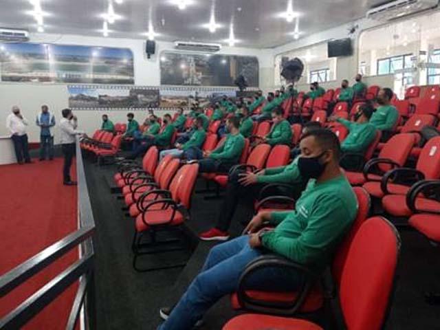 Cerimônia de diplomação dos formandos aconteceu na Câmara de Vereadores de Andradina. Foto: Assessoria de Imprensa Elektro