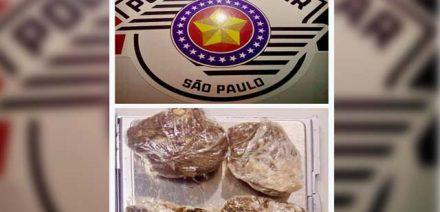 Foram apreendidas 4 porções de maconha, que pesaram 11,4 gramas. Foto: PM/Divulgação