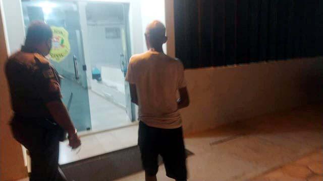 Aposentado foi indiciado e preso por violência doméstica, ameaça e injuria contra sua mãe de 89 anos,. Foto: MANOEL MESSIAS/Agência