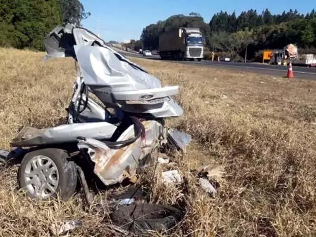 carro da família ficou completamente destruído. Foto: Divulgação