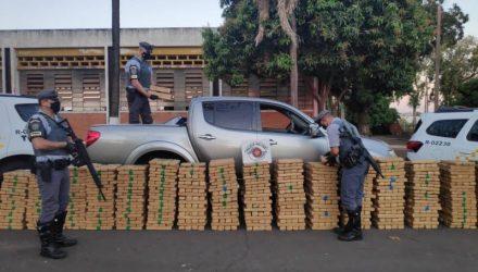 Droga estava dentro da caminhonete abordada na rodovia. Foto: PMRv/Divulgaçao