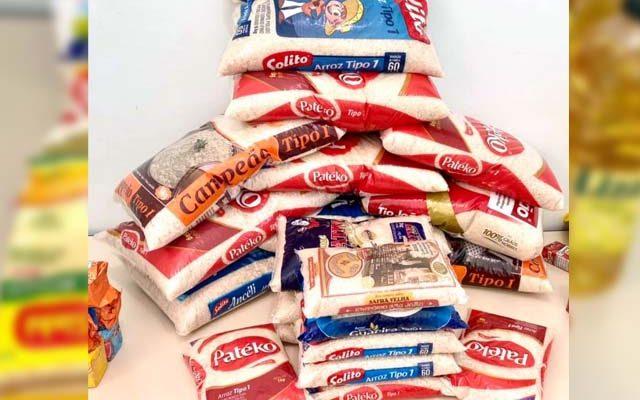 Foram arrecadados dezenas de quilos de alimentos não perecíveis. Foto: PM/Divulgação
