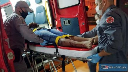 Torneiro mecânico sofreu cortes na perna direita, escoriações  nos dois joelhos e cotovelos. Foto: MANOEL MESSIAS/Agência