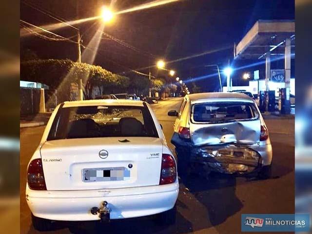 Corsa do acusado (branco), bateu com violência no Fox da comerciante. Foto: Divulgação