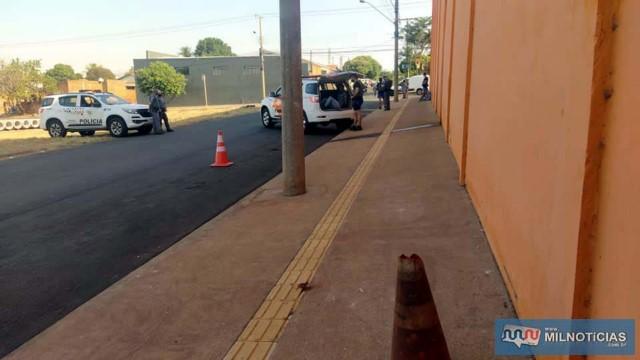 Dupla tentativa de homicídio aconteceu nos fundos de um atacadão de alimentos., na Vila Mineira. Foto:  MANOEL MESSIAS/Agência